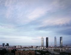 Vista de las cuatro torres/Financial distric view by Turismo Madrid, via Flickr
