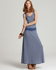 Love the drop waist on this maxi... Especially for short girls like me :)