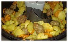 Une recette dans la friteuse Actifry : une poêlée de pommes de terre, carottes et saucisse (pour les jours où il fait bien froid dehors)... Trancher 4 carottes en fines lamelles (2 mm env.), couper 4 pommes de terres moyennes en forme de potatoes ou en...