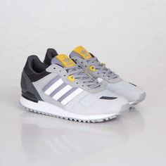 adidas Originals ZX 700 - Aluminum / Tribe Yellow |