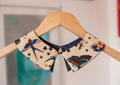Tattoo pattern Peter Pan collar with golden star studs and