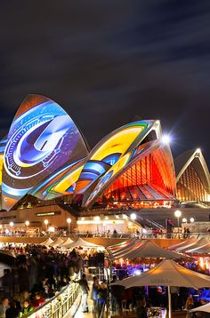 The colours on the Opera House for the 2013 edition of Vivid are truly spectacular.