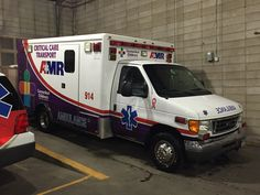 Emergency Response Restrooms and Showers for Disaster Relief Ford Ambulance, American Ambulance, Emergency Care, Emergency Response, Car Ford, Ford Trucks, Paramedic Quotes, Public Security, Auto Service