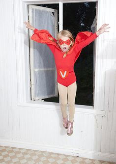 Super hero shots....I wonder if I could get my almost 13 YO to do this....with tights. Oh, who am I kidding? He'd do it in a heartbeat. :)