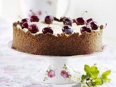 Cheesecake med körsbär och chokladtopping | Recept från Köket.se