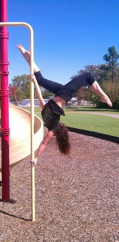 This is me! Butterflying is my favorite :) #pole #blogger #pilatespolekat