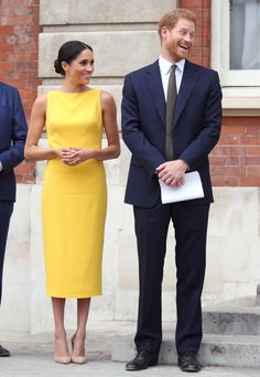 Prince Harry and Meghan Markle - The Duke and Duchess of Sussex Prince Harry Et Meghan, Princess Meghan, Harry And Meghan, Meghan Markle Stil, Meghan Markle Dress, Prinz Harry Meghan Markle, Die Queen, Style Royal, Estilo Real
