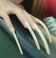 Long Nails, Ongles