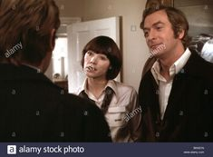 The Romantic Englishwoman (1975) Glenda Jackson, Michael Caine Stock Photo…