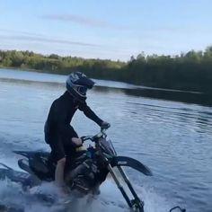 Funny Motorcycle, Motorcycle Shop, Motorcycle Style, Motocross Videos, Quad Bike, Dirt Biking, Biker Girl, Girl Gifs, Motorbikes