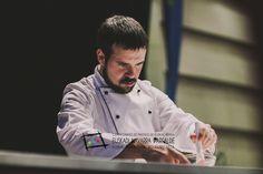 """Aingeru Etxeberria Del bar Aliron, en la calle Luis Briñas, 23 de Bilbao (T. 94 6073061). Participó en el Campeonato de Euskal Herria de Pintxos con """"Hot Dog - Saltxikruntxi'13"""". Cómprate un libro de campeonato con todas las recetas y fotos: http://www.campeonatodepintxos.com/tienda/ #Hondarribia #Pintxos #Pinchos #Tapas #Fuenterrabía #Fontarrabie @hondarribiaturi  @euskadipintxos"""