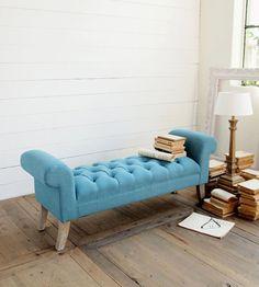 Un canapè capitonné blu chiaro che dona originalità ed eleganza a tutti gli spazi   #casamata #casamatastyle #homedecor #homedesign #interiordesign #arredamento