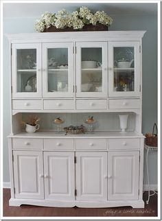 Are you ready to see the china cabinet? I'm sure you are all tired of me dragging this on and on. I am so very thankful for everyone's wo...