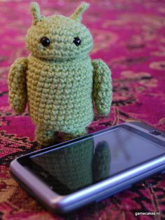 Android Amigurumi - Free pattern here: http://bethsco.blogspot.nl/2011/01/droid-robot.html