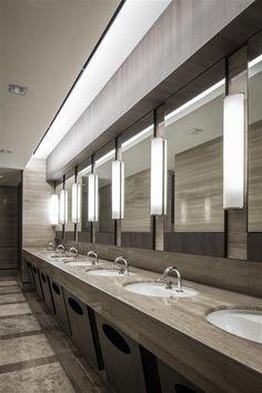 55 modern types bathroom lighting ideas for all interior designs 15 » AERO.DREAMS #bathroomlighting #bathroomideas #bathroomdesign
