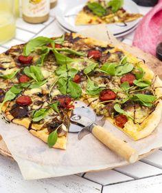 Caramelised Onions, Mushrooms, Chorizo and Baby Rocket Pizza