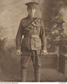 "Wilfred Owen Gibbons born in the Uk  Wilfred was working on a station in Longreach at the time of enlistment.  He embarked on the HMAT ""Borda"" on the 5th June 1916.  Wilfred was wounded in action in Belgium  dying on the 1st June 1917 from these wounds at the age of 29"