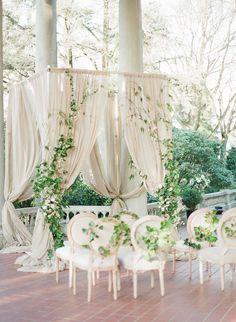 photo: Vasia Photography, Artiese Studios; wedding ceremony idea