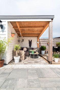 Garden inspiration with round table - New ideas Outdoor Kitchen Patio, Outdoor Living, Outdoor Decor, Beach Gardens, Outdoor Gardens, Shed Design, Garden Design, Spring Garden, Home And Garden