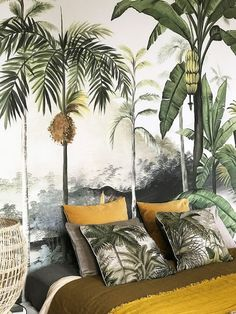 Ideas for bird wallpaper bedroom house Bird Wallpaper Bedroom, Casa Cook, Tropical Bedrooms, Interior And Exterior, Interior Design, Princess Room, Wall Treatments, Bedroom Decor, Wall Decor
