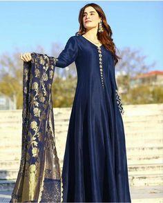 Party Wear Indian Dresses, Pakistani Fashion Party Wear, Indian Gowns Dresses, Dress Indian Style, Pakistani Dress Design, Stylish Dress Designs, Designs For Dresses, Stylish Dresses, Casual Dresses