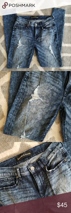 """Acid wash distressed skinny jeans Super cute acid wash distressed skinny jeans from Express!! 29"""" inseam. mid-rise.  Perfect condition!!  Bundle for a discount !! Always fast shipping and packaged with care!! Express Jeans Skinny"""