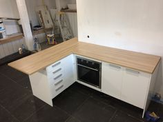 Free kitchen with new top and oven