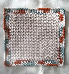 One of the easiest dishcloths you'll ever make. Pattern is free on the website. A PDF version is available for $1.50