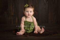 Love that green! Baby Photography Tips, Children Photography, Portrait Photography, Newborn Photographer, Family Photographer, Baby Pictures, Baby Photos, Cute Kids, Adorable Babies