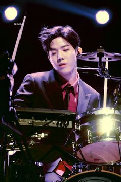 Day6 Dowoon, Kim Wonpil, K Pop Music, Pin Pics, Korean Bands, Drums, Cool Pictures, Songs, Kpop