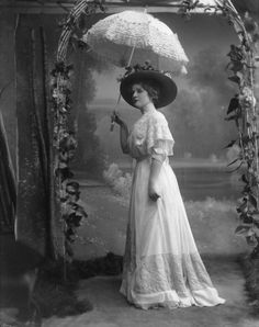 1907, Edna May