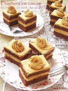 Culorile din farfurie: Cocoa cake with peanut butter cream No Bake Desserts, Delicious Desserts, Yummy Food, Tasty, Food Cakes, Cupcake Cakes, Bundt Cakes, Cupcake Recipes, Dessert Recipes