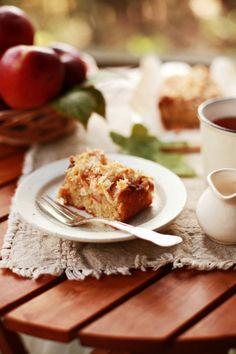 Kiedy dni robią się coraz krótsze, a poranki coraz chłodniejsze na poprawę nastroju najlepsza będzie gorąca #herbata i ciasto śliwkowe http://www.big-active.pl/