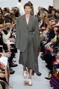 Céline Spring 2018 Ready-to-Wear Collection Photos - Vogue