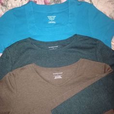 FINAL PRICE3 Tee Shirt Bundle This bundle contains 3 Christopher& Banks everyday tees. Two are like new. Turquoise, short sleeve, square neck. Heather forest green, long sleeve, round neck. Heather light brown, 3/4 sleeve, v neck. All size small. Christopher & Banks Tops Tees - Short Sleeve