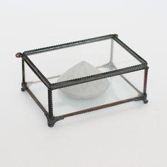 Unique glass box. By Diamantina & La Perla. www.facebook.com/diamantinaylaperla