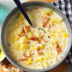 Bacon-Potato Corn Chowder Recipe -I was raised on a farm, so a warm soup with homey ingredients, like this one, was always a treat after a chilly day outside. My hearty chowder nourishes the fa Bacon Potato Corn Chowder, Best Corn Chowder Recipe, Easy Corn Chowder, Taste Of Home Potato Soup Recipe, Corn Chowder Recipe Pioneer Woman, Slow Cooker Corn Chowder, Summer Corn Chowder, Chicken Corn Chowder, Winter Soups