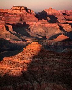 Grand Canyon at #sunset. 2008. #grandcanyon #southrim #southrimgrandcanyon #arizona #usa #travelphotography #igtravel #instatravel #canon450d #canonrebelxsi #canon #fb #nationalpark #geology #orange #grancañon #grancañondelcolorado #wondersoftheworld #landscape #landscapelovers #paisaje #nature #lonelyplanet #wanderlust #natgeotravel