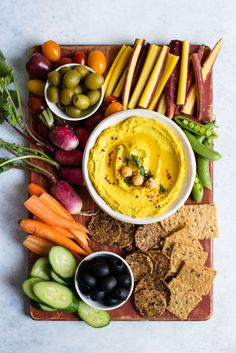 GOLDEN Turmeric Hummus - an easy and healthy vegan hummus that is great as a snack!