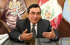 """AREQUIPA. Marco Montañez asegura que profesor Pedro Bustamante sí asumirá dirección de la I.E. Independencia Americana"""" http://hbanoticias.com/10186"""