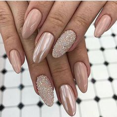 Discover new and inspirational nail art for your short nail designs. Nail Designs Pictures, Short Nail Designs, Fall Nail Designs, Acrylic Nail Designs, Nail Pictures, White Nails, Pink Nails, My Nails, White Glitter