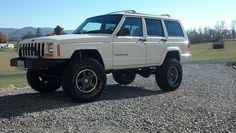 Cut fenders, move up stock flares