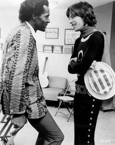 CA — Mick Jagger of the Rolling Stones with Rock 'n' Roll legend Chuck Berry, here backstage. At earlier shows through the South on the Let It Bleed North American tour, Chuck Berry (Keith Richards' hero) opened for the Stones. Rock And Roll, Pop Rock, The Rolling Stones, Beatles, Janis Joplin, Melanie Hamrick, Heavy Metal, Photos Rares, Legendary Pictures