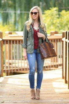 Imagen de http://www.designerzcentral.com/images/living-lifestyle/726/Outfit_Ideas_cuff_jeans.jpg.