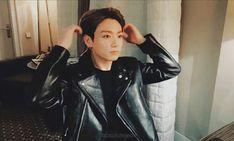 Foto Jungkook, Jungkook Oppa, Namjoon, Taehyung, Jung Kook, Busan, Bts Group Photos, About Bts, Bts Photo