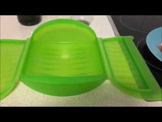 Pollo en salsa de pimienta verde en estuche vapor Lekue - YouTube Ice Cube Trays, Youtube, Peppercorn Sauce, Recipes With Chicken, Sauces, Light Recipes, Cook, Green, Ice Makers