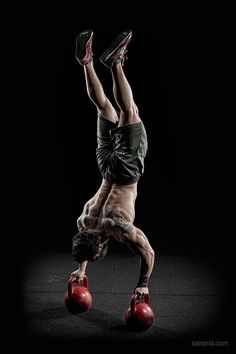 CrossFit is tough! Here are 25 highly motivational CrossFit photos and quotes to help inspire you to push to your mental and physical limits in training. Planet Fitness, Fitness Man, Fitness Goals, Health Fitness, Mens Fitness Model, Fitness Music, Fitness Sport, Muscle Fitness, Fitness Diet