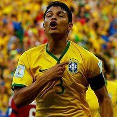 Orgulho máximo!!! @cbf_futebol  A cada convocação uma sensação nova . Obrigado senhor por me proporcionar momentos com esse . #dalhebrasil #eliminatoria #copadomundo2018  #URUGUAIXBRASIL E #BRASILXPARAGUAI
