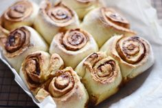 Although in New Zealand, October is Spring, around the other side of the world it's now autumn and Halloween! With fall comes many fall inspired recipes, and I've been saving this one up for a while! This recipe has the classic cinnamon taste that everyone loves in Autumn. I've created a vegan Cinnamon Scroll, and they are absolutely devine. As with any baking in my house, it disapears about as quickly as it was made, thanks to my partner who has the worlds biggest sweet tooth....
