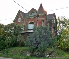 Victorian Mansion (McKeesport) -- abandoned mansion at the corner of Colfax and Park Street in Pittsburg